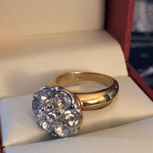 Jewelry - 18k AAA Cubic zirconium cluster RING